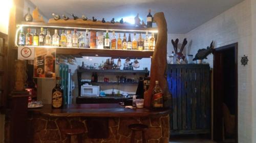 O lounge ou bar de Pousada lounge bar Luar De Prata