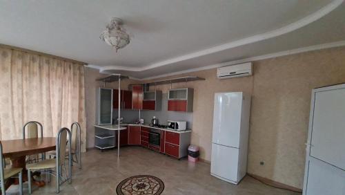 Кухня или мини-кухня в База отдыха Тавуш