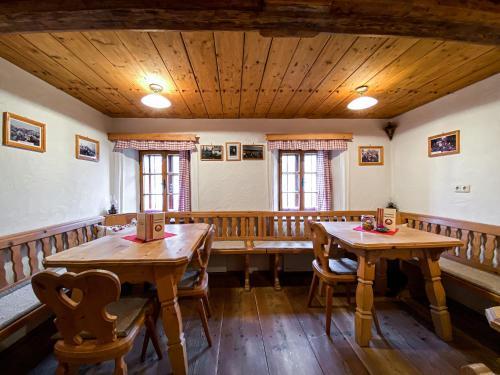Ein Restaurant oder anderes Speiselokal in der Unterkunft Bauernhof Ablass