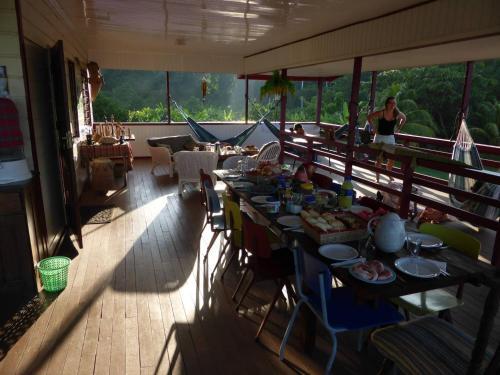 Een restaurant of ander eetgelegenheid bij Botopasi Resort