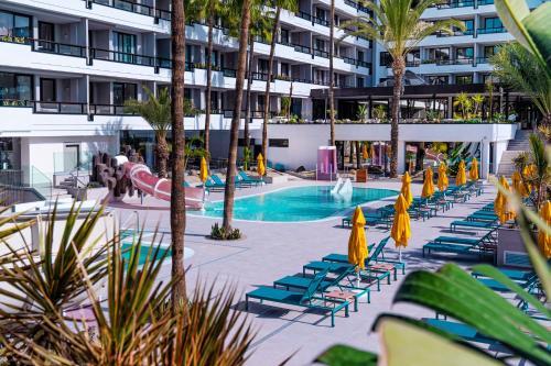 Het zwembad bij of vlak bij Spring Hotel Bitácora