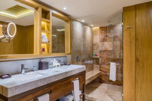 A bathroom at Hyatt Ziva Puerto Vallarta