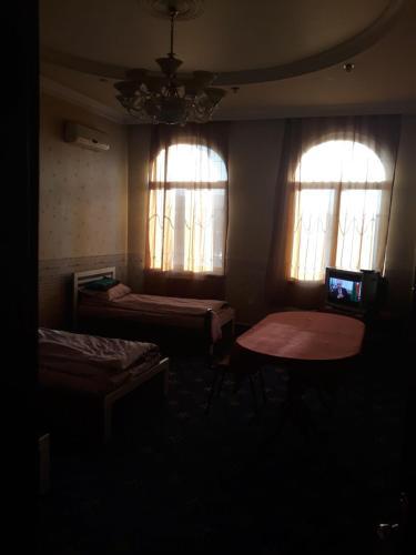 Uma área de estar em Serin Hostel