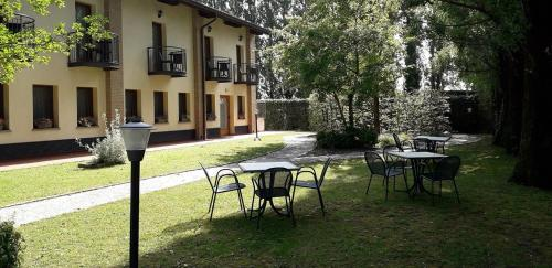 A garden outside Hotel alle Mondine