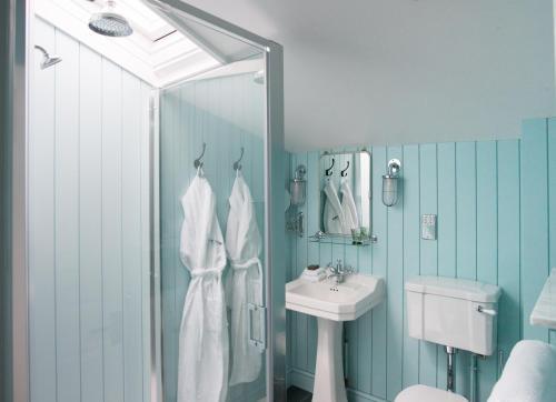 A bathroom at The Swan Hotel