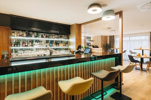 Hol lub bar w obiekcie Holiday Inn Łódź, an IHG Hotel