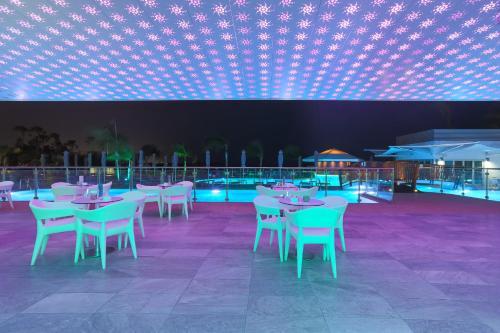 Ресторан / где поесть в Vassos Nissi Plage Hotel & Spa