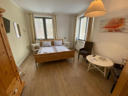 A bed or beds in a room at Gästehaus Lavendel City - by Zimmer FREI! Holidays