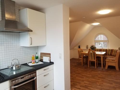 A kitchen or kitchenette at Apartment Rheinwiesen Flair & Fair