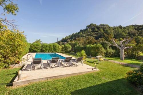 Pollenca Villa Sleeps 4 with Pool Air Con and WiFi