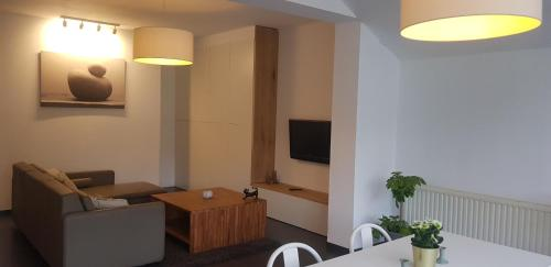 A television and/or entertainment centre at Lavan