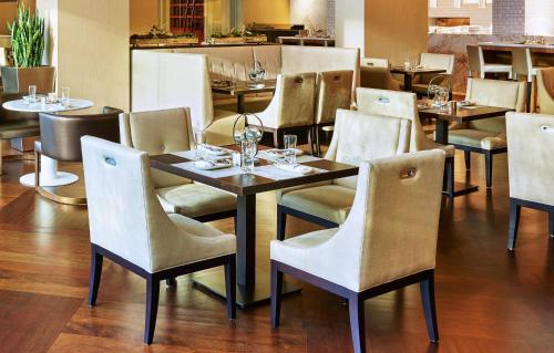 A restaurant or other place to eat at The Westin Charlotte