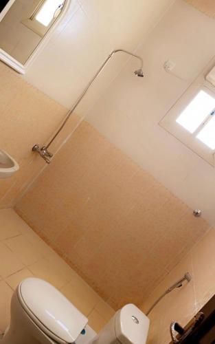 Um banheiro em AlBada apartment