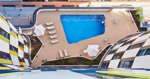 The swimming pool at or near Resa Patacona