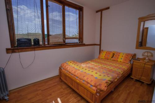 A bed or beds in a room at Semeen Hotel Valdes