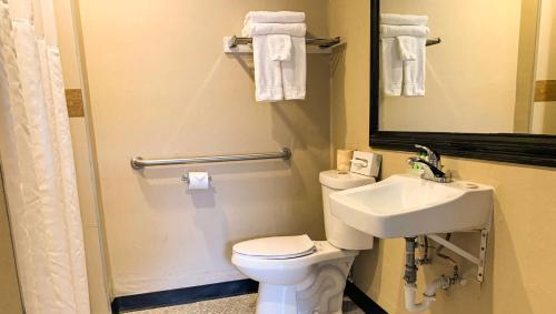 A bathroom at Stone Villa Inn