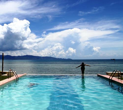The swimming pool at or close to Le Divine Comedie Beach Resort