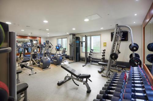 The fitness centre and/or fitness facilities at Hilton London Heathrow Airport