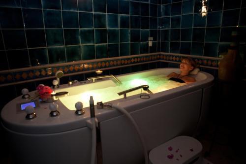Een badkamer bij Seabel Aladin Djerba