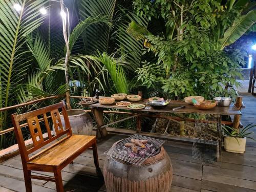 Nhà hàng/khu ăn uống khác tại Mekong Home