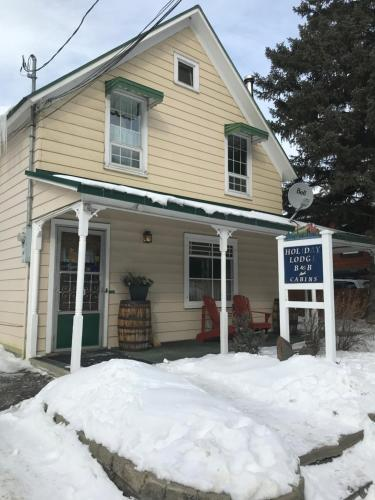 Holiday Lodge Bed and Breakfast during the winter