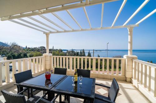 A balcony or terrace at Villa Samba