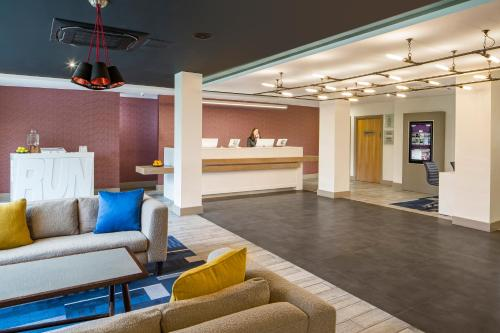 The lobby or reception area at Crowne Plaza Plymouth, an IHG Hotel