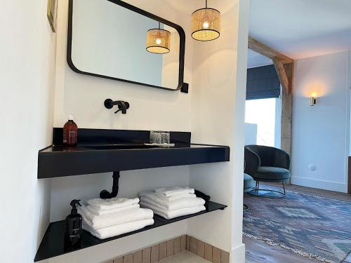 A bathroom at Boutique hotel Hippe Hendrik