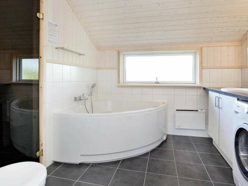 A bathroom at Three-Bedroom Holiday home in Großenbrode 8