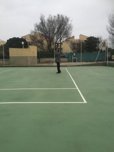 Tennis and/or squash facilities at Les Antilles or nearby
