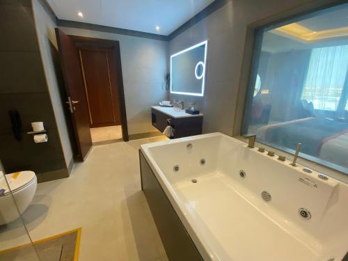 A bathroom at Velar Inn Hotel فندق فيلار ان الطائف