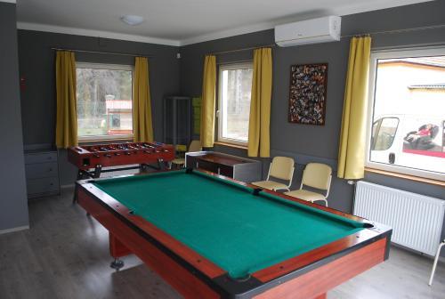 Casa Napsugár Panzió biliárdasztala