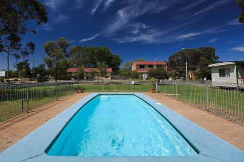The swimming pool at or near Mudgee Valley Park