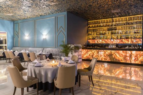 A restaurant or other place to eat at Savoy Le Grand Hotel Marrakech