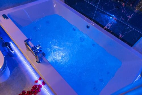 The swimming pool at or near Sawrey Serviced Apartments