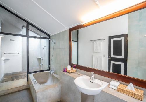 A bathroom at Habarana Village by Cinnamon