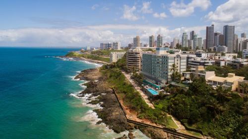 Uma vista aérea de Vila Galé Salvador