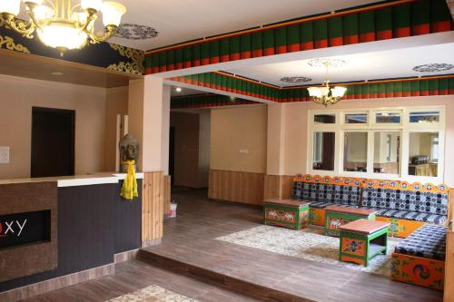 The lobby or reception area at Le Coxy Resort Lachung