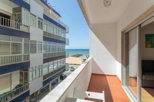 A balcony or terrace at AL - Apartamentos Vista Mar