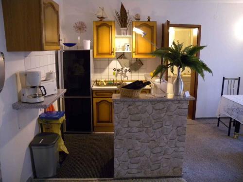 Küche/Küchenzeile in der Unterkunft Holiday home Sassnitz/Insel Rügen 2990