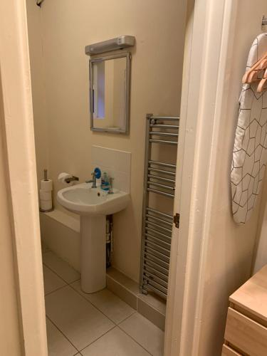 A bathroom at Parkview Guesthouse