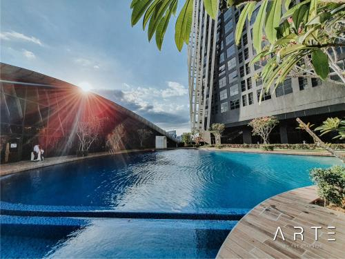 The swimming pool at or close to Arte Mont Kiara Luxury Suite
