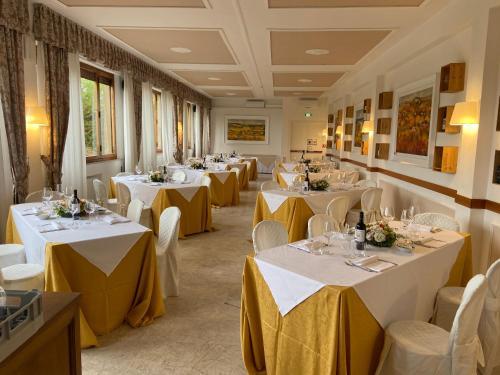 Ресторан / где поесть в Certosa di Pontignano Residenza d'Epoca