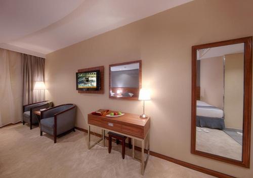 تلفاز و/أو أجهزة ترفيهية في فندق الصفوة رويال اوركيد