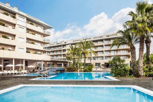 Het zwembad bij of vlak bij AQUA Hotel Onabrava & Spa 4*Sup