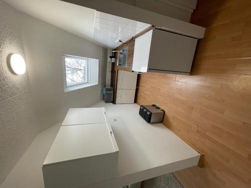 A kitchen or kitchenette at 1,5 Zimmer Apartment, 38,5 qm, frisch möbliert
