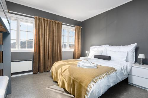 En eller flere senger på et rom på Hald Sommerhotell