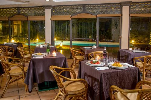 A restaurant or other place to eat at Best Western Park Hotel Roma Nord