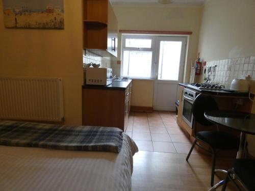 A kitchen or kitchenette at Hurst Dene Aparthotel