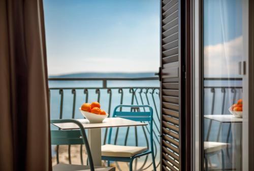 A balcony or terrace at Hotel Mediteran - Liburnia